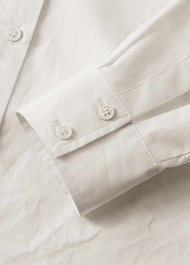 weiße Damenkleidung