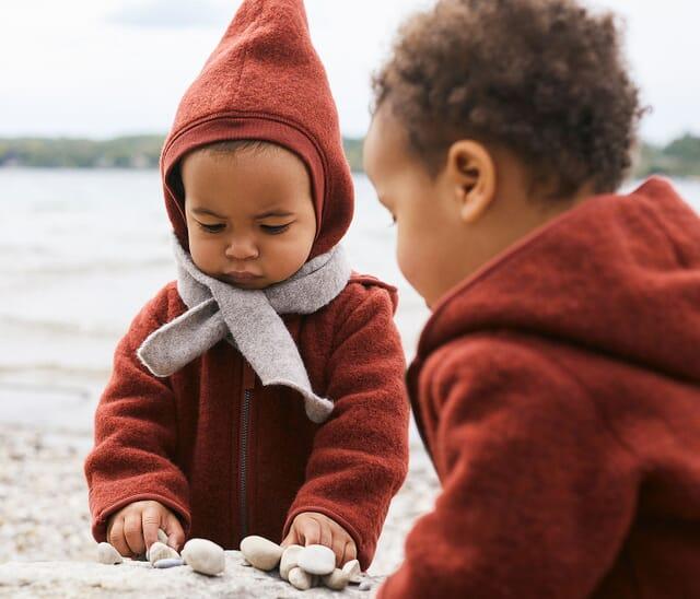 Pflegeleichte Naturmaterialien für Kinder.