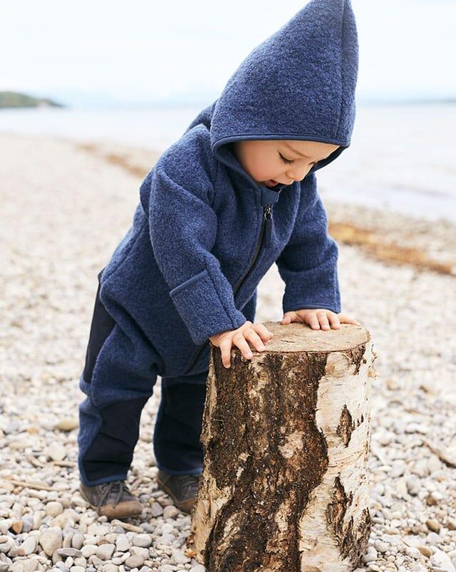 Bio-Wollwalk Kleidung für Babys.