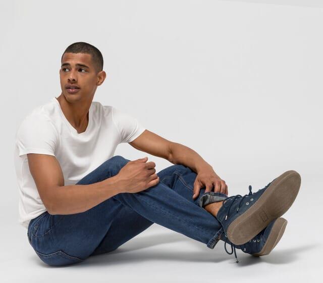 Men's Jeans Consultant.