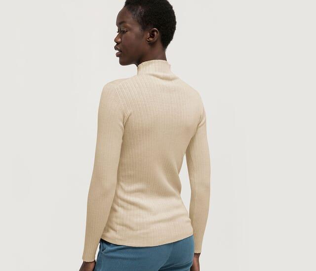 Women's silk clothing